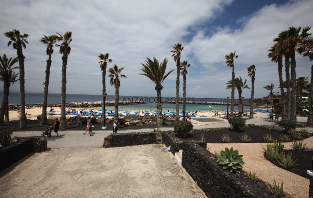 REDUCED PRICE!!!UNIQUE OPPORTUNITY TO BUY A FRONT LINE PROPERTY BY FLAMINGO BEACH IN PLAYA IN ORIGINAL IN PLAYA  BLANCA