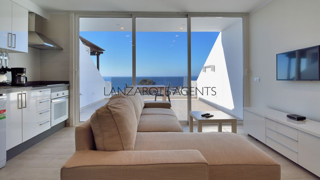 UNIQUE OPPORTUNITY TO BUY AN IMMACULATE ONE BEDROOM APARTMENT IN  PUERTO DEL CARMEN WITH AMAZING SEA VIEWS!!!!