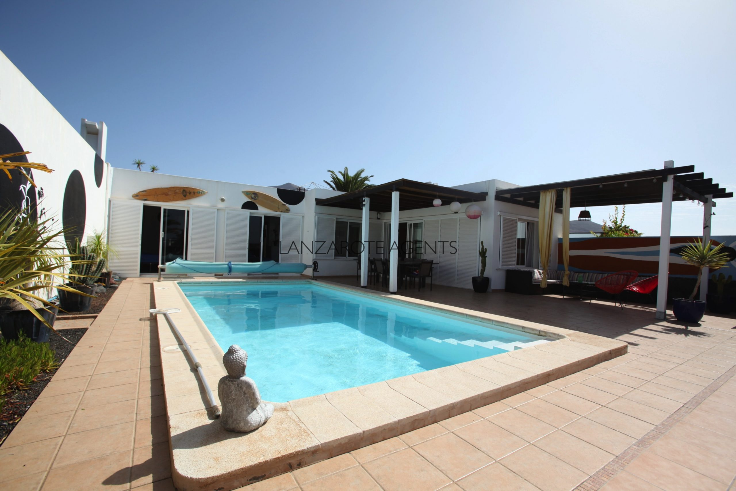 Fantastic Detached 3 Bedroom Villa Located in Las Coloradas in Playa Blanca with Great Panoramic Sea Views and Private Pool