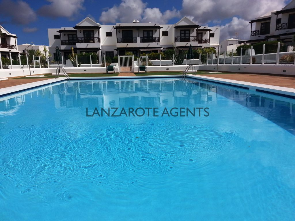 BARGAIN! Now Reduced!!!!3 Bedroom Villa Near Marina Rubicon With Communal Pool and Proximity to All Conveniences