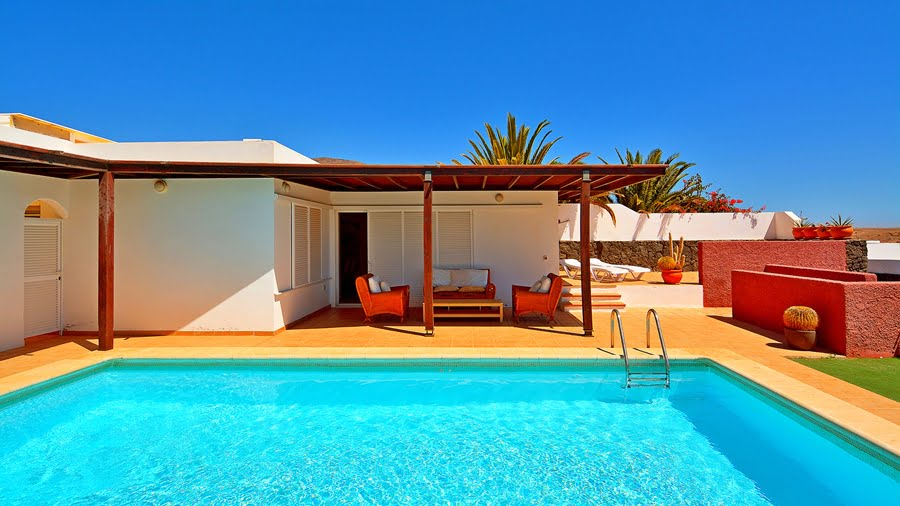 Unique Opportunity to Buy a Lovely Detached 2 Bedroom Villa in Las Coloradas With Garage and Great Sea Views!!!