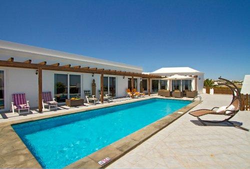 Fabulous Luxury Villa In Puerto Calero with Stunning Sea Views