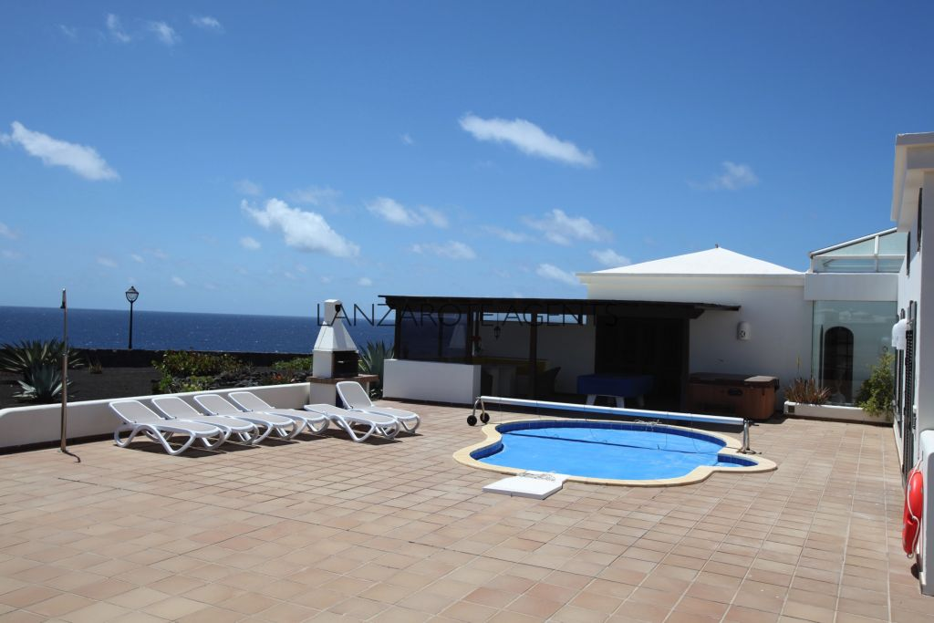 Front Line Luxury 3 Bedroom Detached Villa in Faro Park in Playa Blanca With the Most Amazing Sea Views and Private Pool