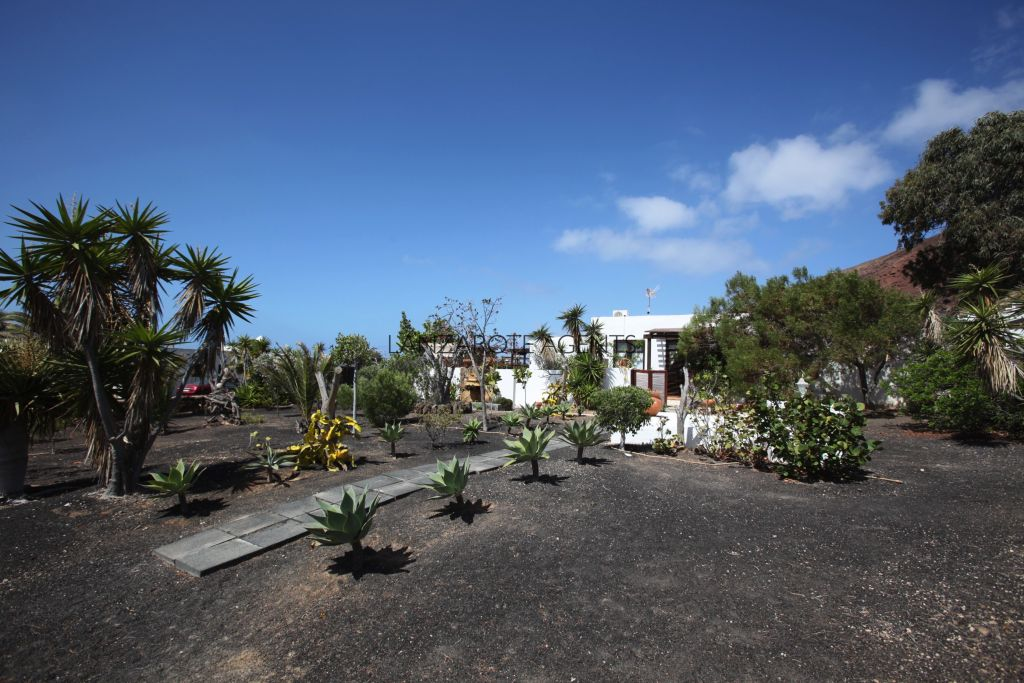 Charming Detached Villa in the Red Volcano of Playa Blanca with lovely Sea views and a large plot of Land