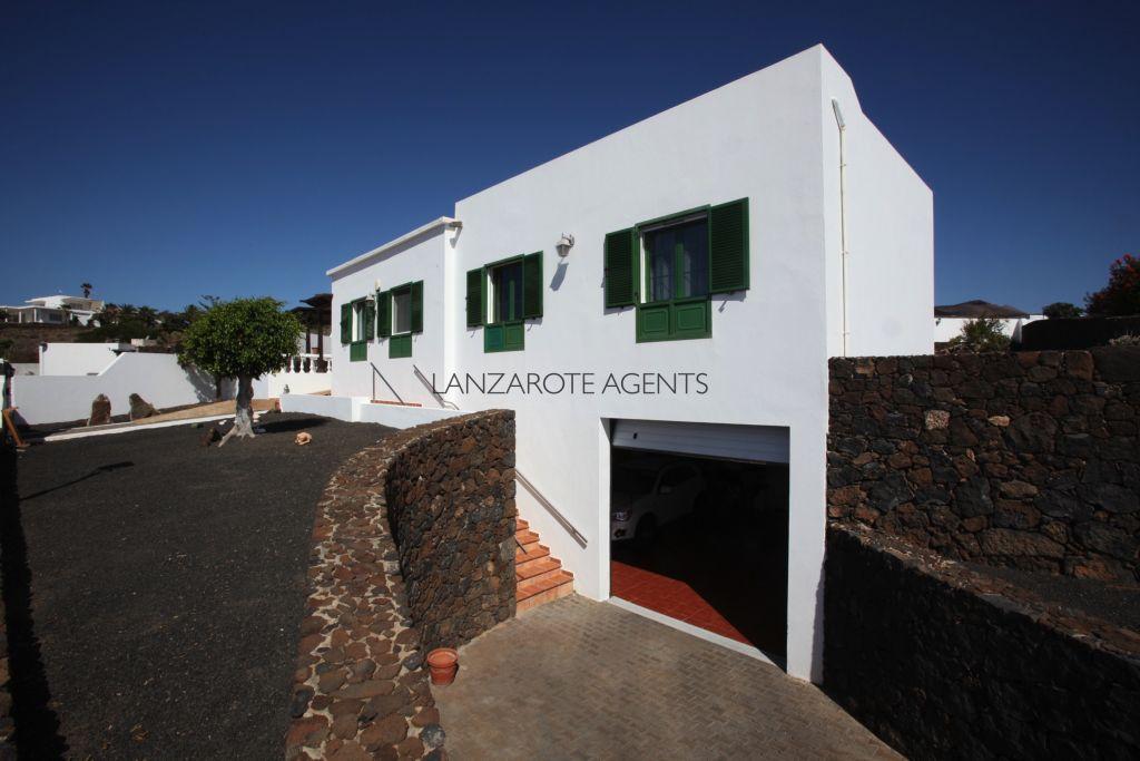 Fantastic Independent 3 Bedroom Villa in Las Breñas with Breathtaking Sea Views