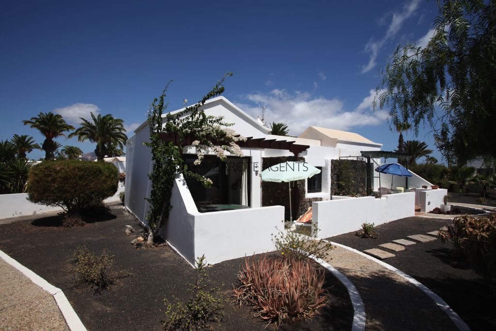 Not to Be Missed! Lovely One Bedroom Bungalow Apartment in a Quiet Complex Near all the Amenities of Playa Blanca Town Centre