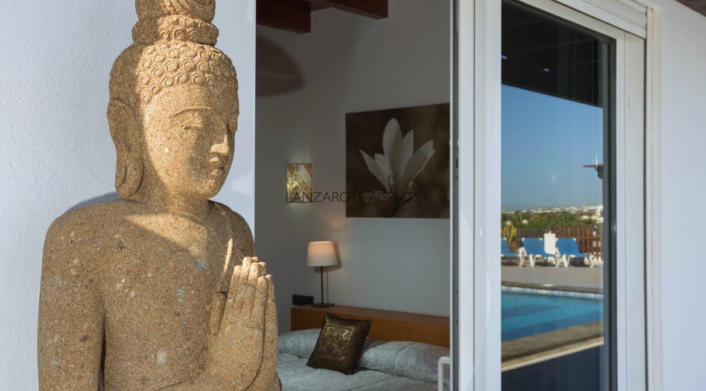 suite_bedroom_detail
