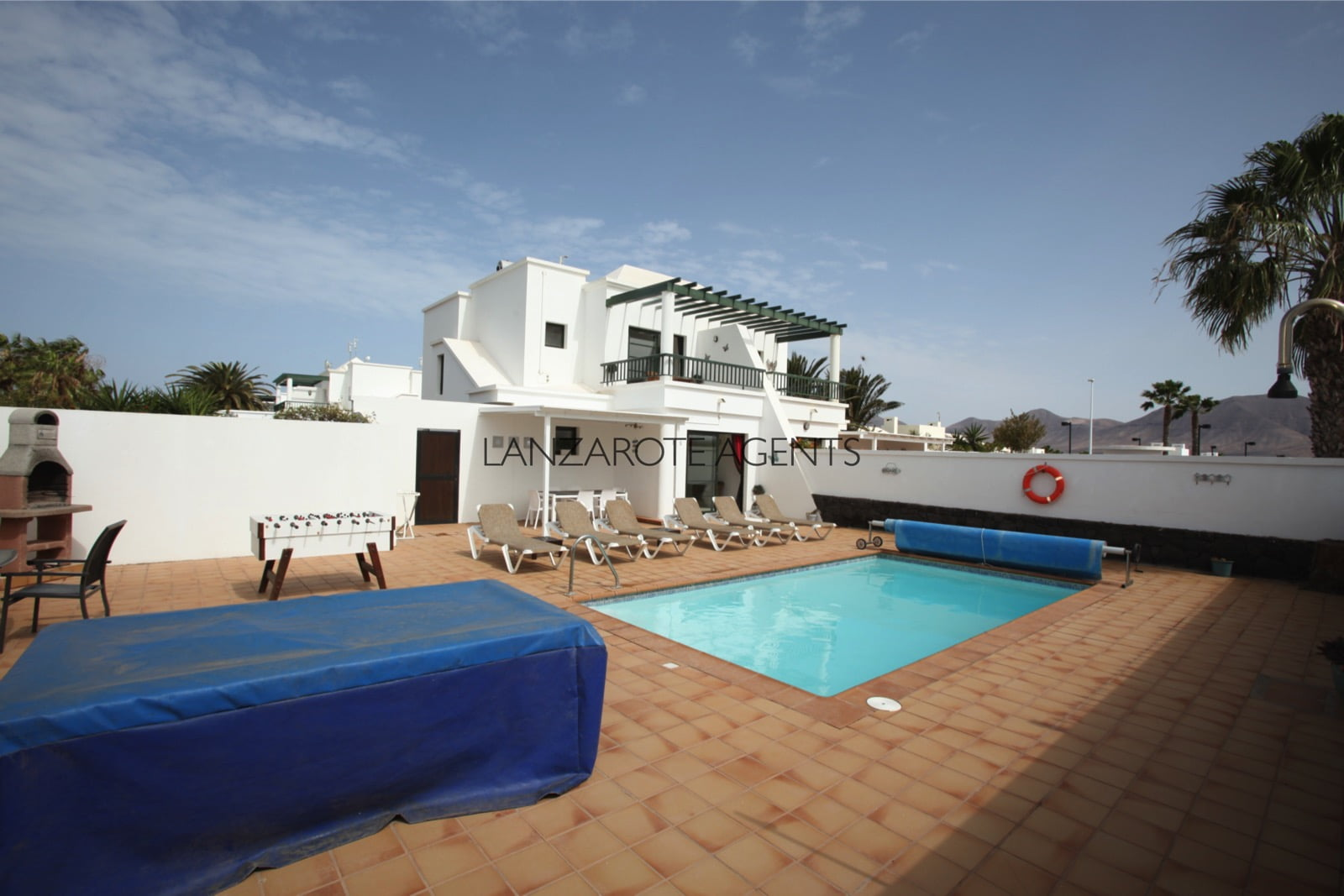 Lovely 3 Bedroom Semi Detached Villa Near Playa Blanca Town Centre with Tourist License(Vv) and Future Bookings.
