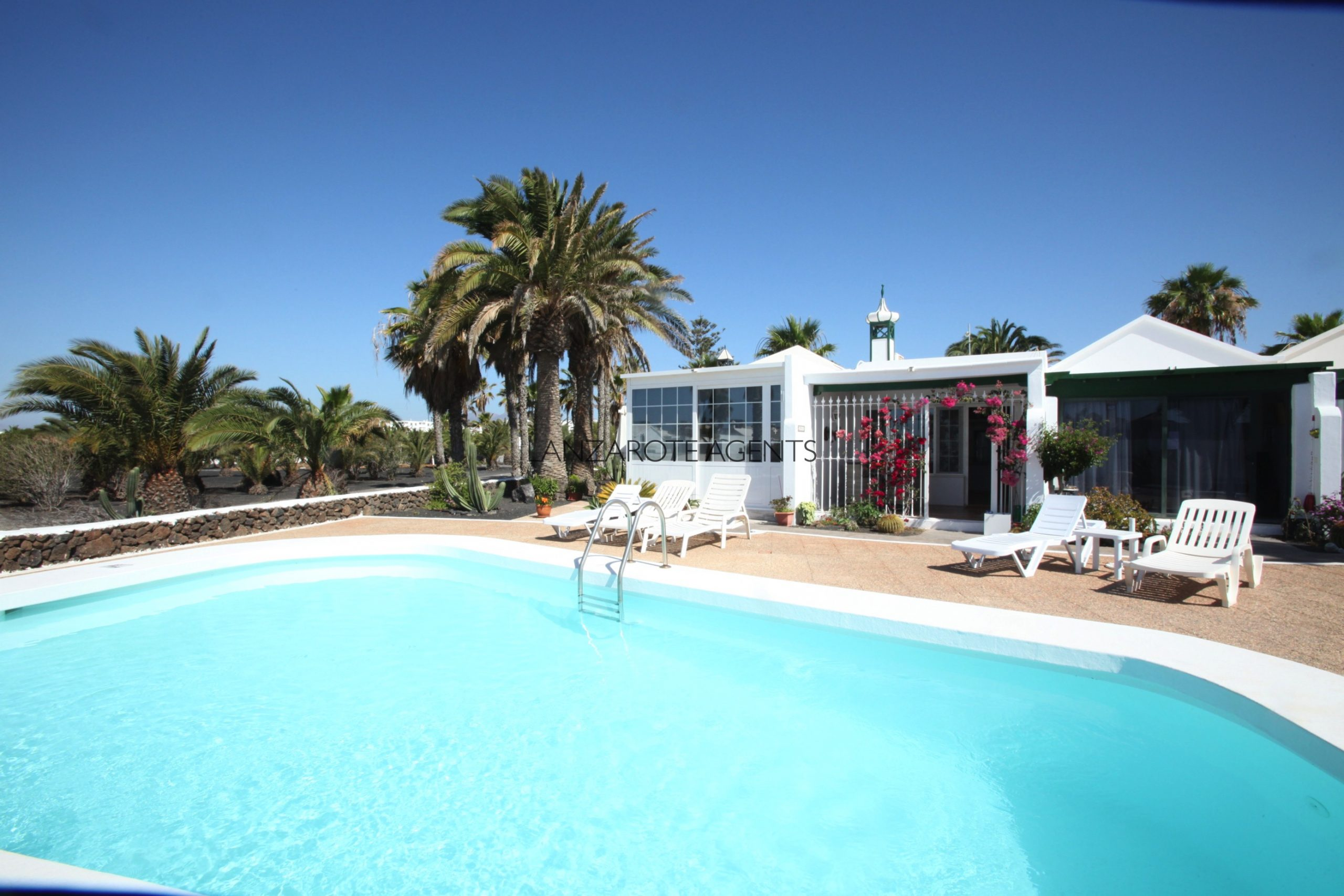 Charming one Bedroom bungalow in a Small Complex in Matagorda with Communal Pool, Puerto del Carmen
