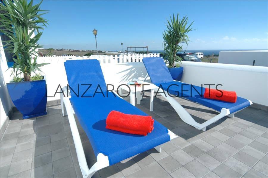 Marina Azul sunbeds 2 e176c5d3-221d-4a45-824e-e89b515fe424