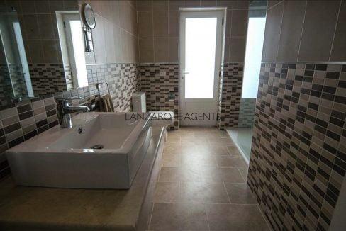 Marina Azul upstairs bathroom new