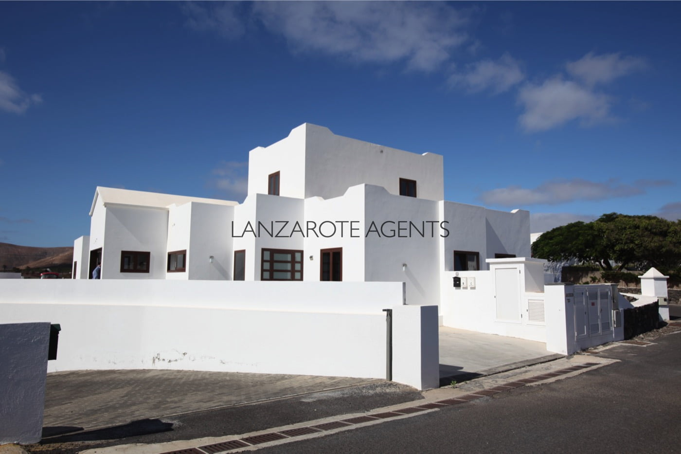 Great New Built in Uga, a lovely village in the South of Lanzarote at only 10 min to the Beach