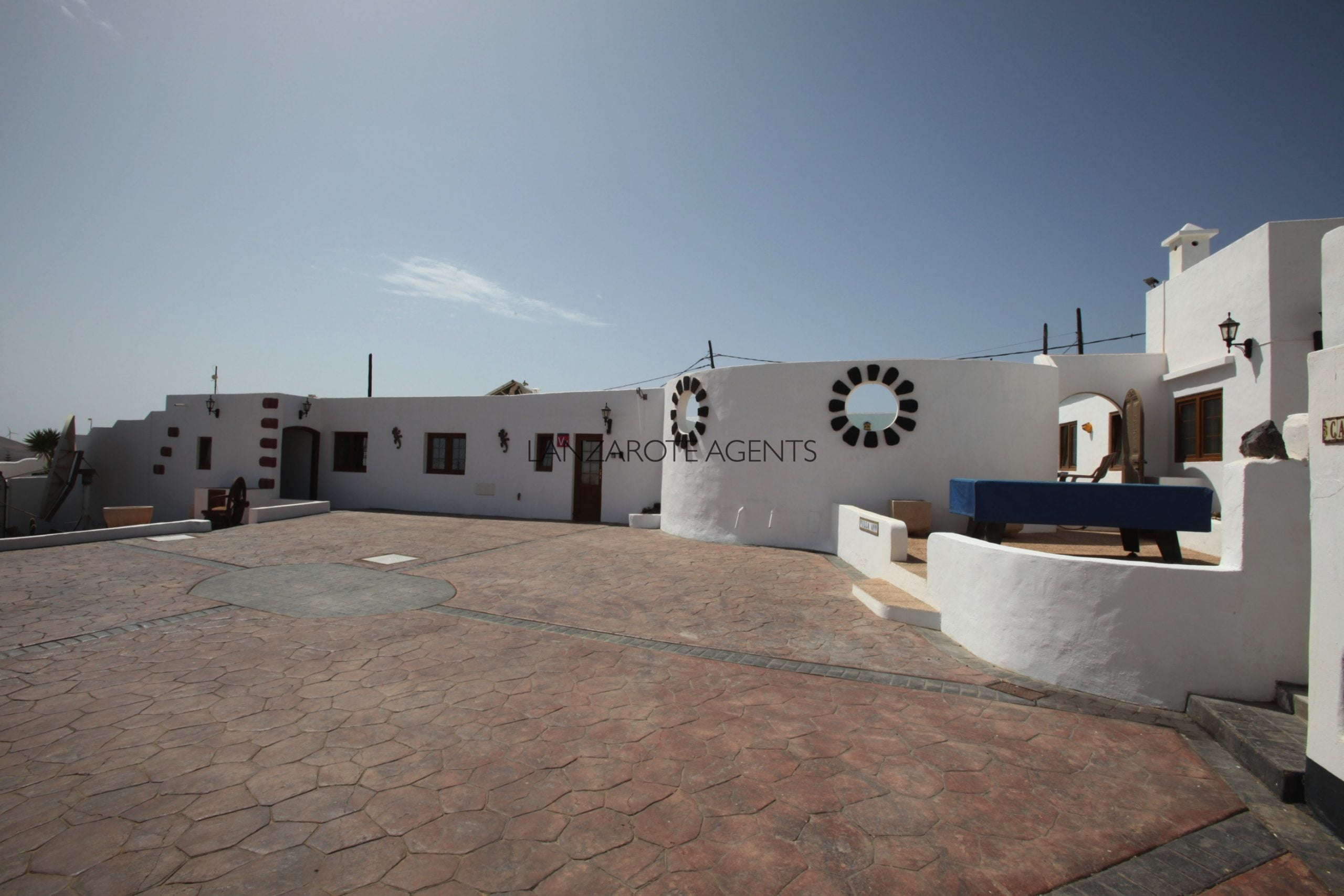 Investment Opportunity: Three Villas with Tourist License Vv, Ready to Live or Rent Out in Nazaret.