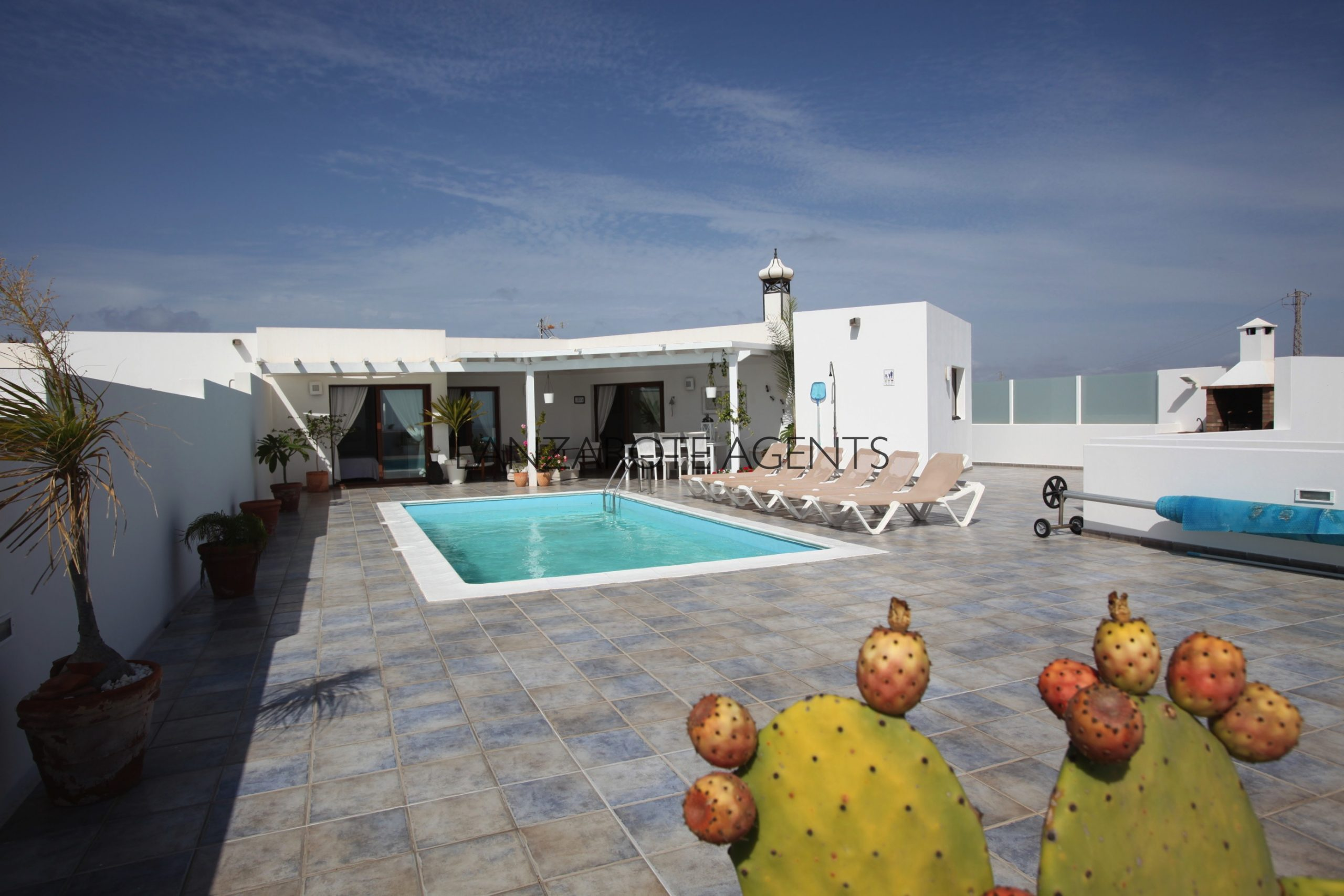 Fantastic Spacious 3 Bedroom Villa with Private Pool and Magnificent Views of the Sea