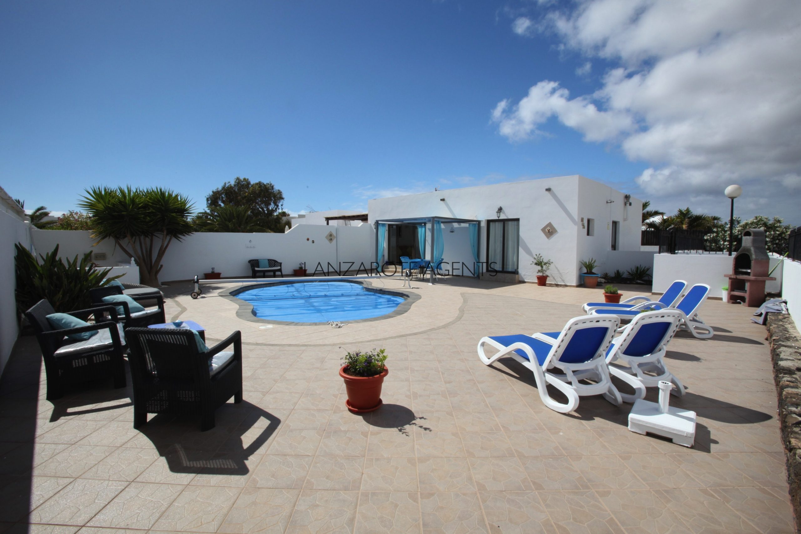 Three Bedroom Semi detached Villa with Private Pool near Playa Blanca Town Centre.