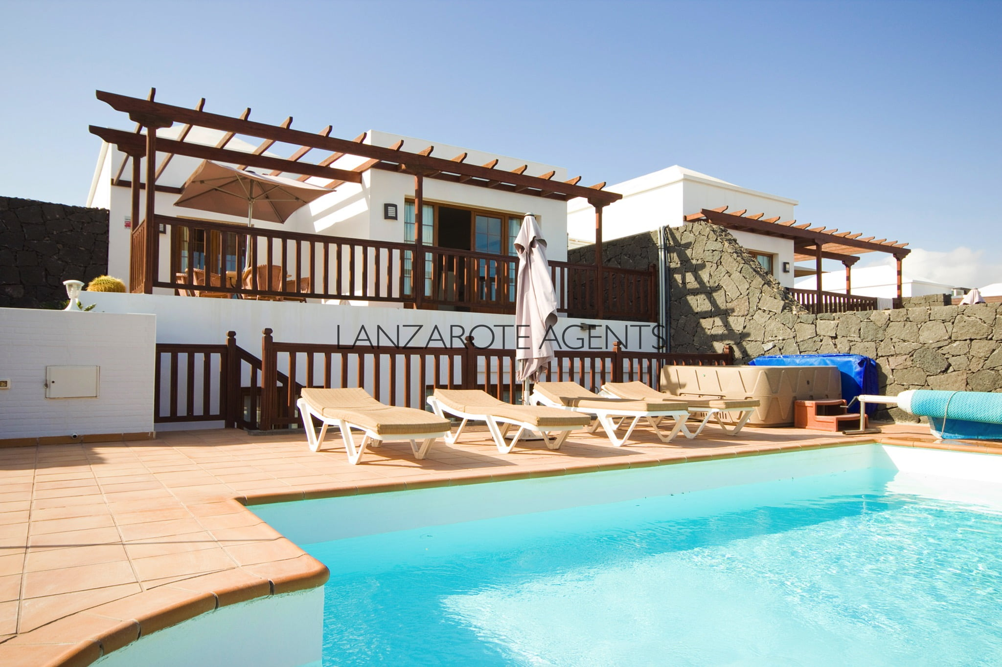 Investment Opportunity!!! Wonderful Spacious 4 Bedroom Villa With Vv License, Private Pool and a Future Bookings