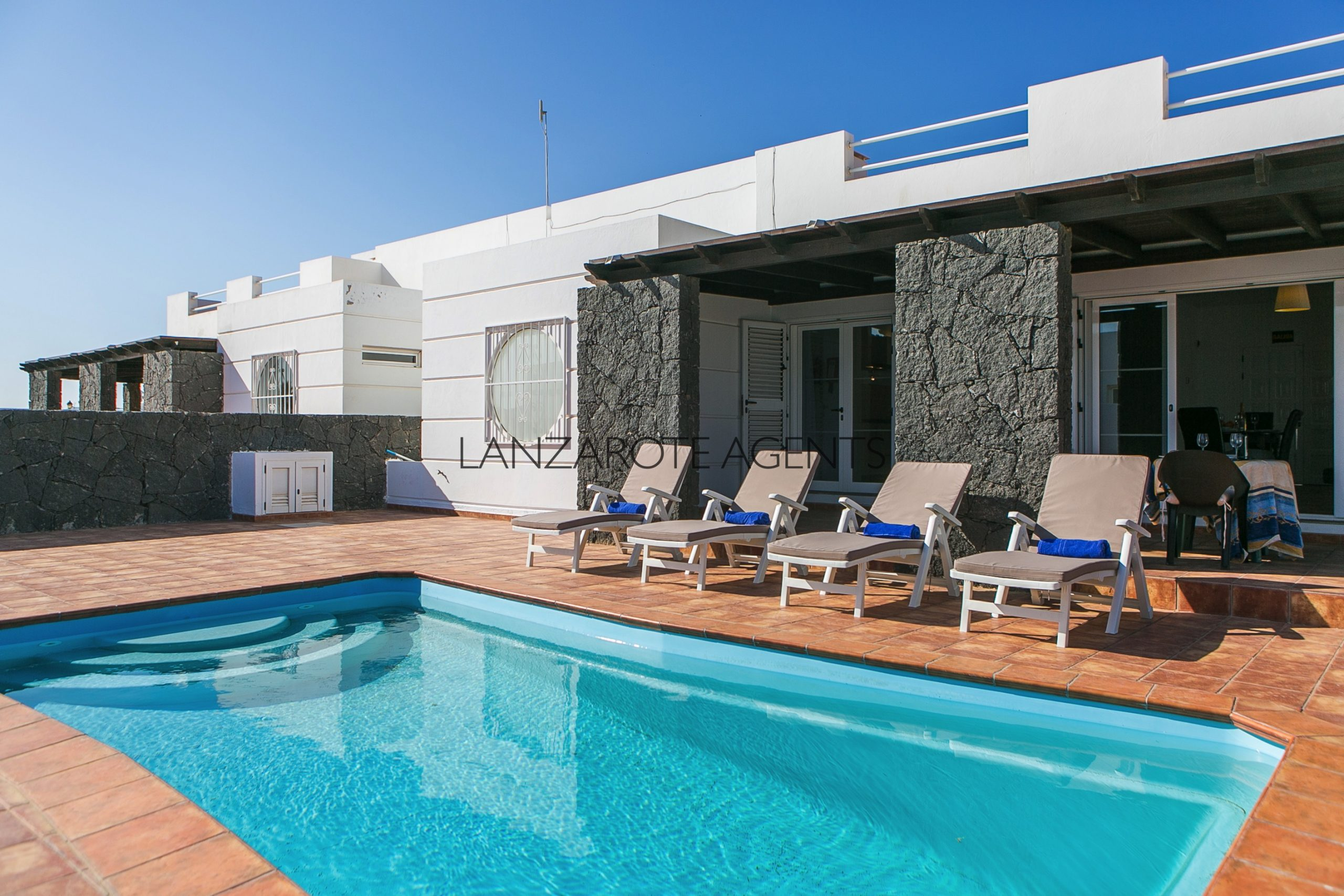 Fabulous 4 Bedroom Villa With Vv Tourist License And Ready To Continue The Rental Business Lanzarote Agents Sl