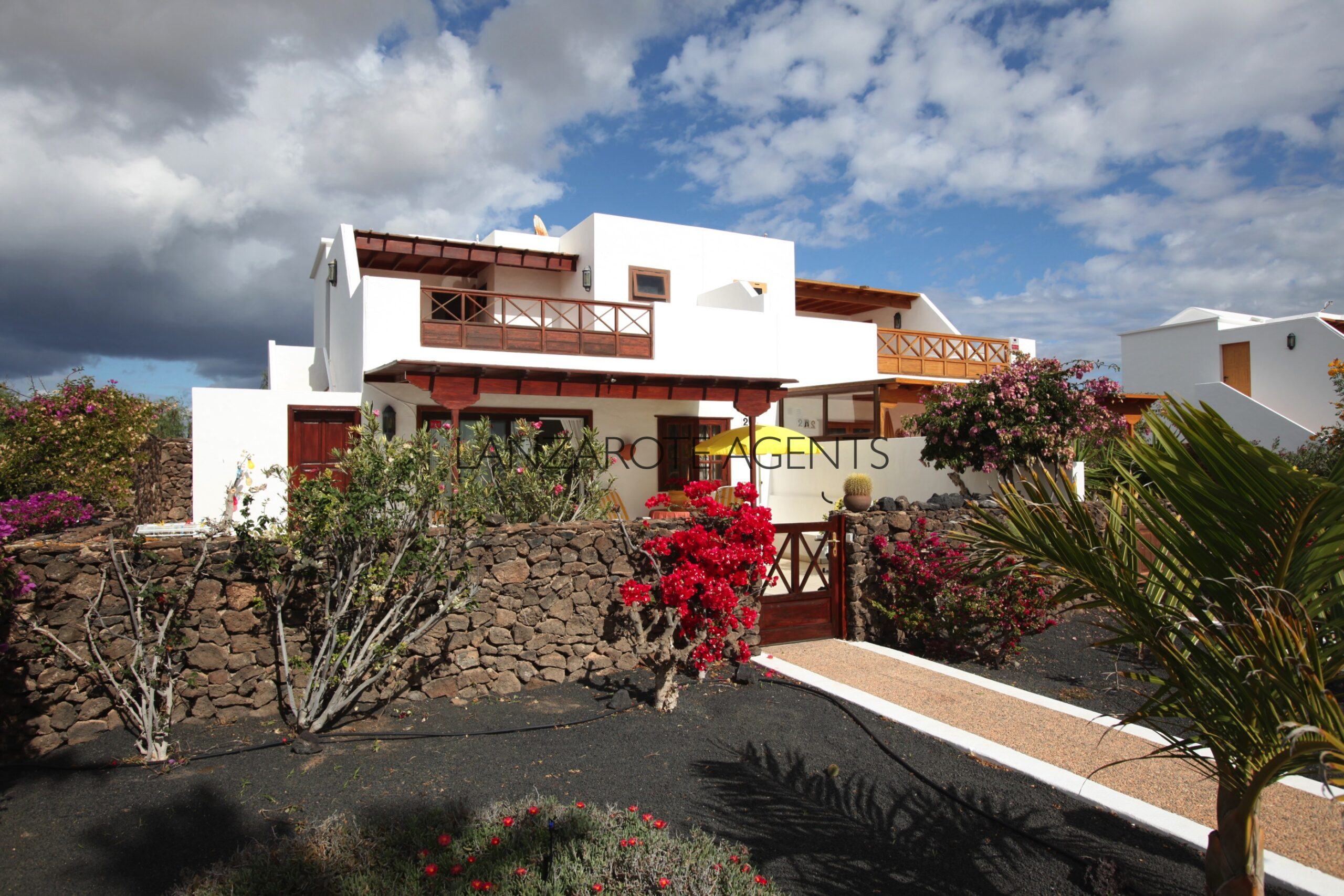 Lovely Semi Detached Villa with Self Contained Apartment, Communal Pool and Sea Views