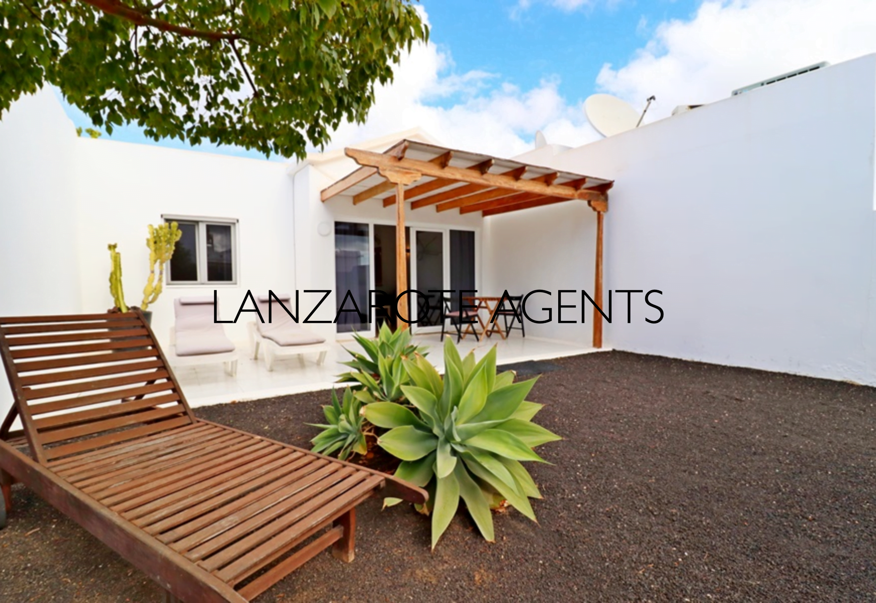 Charming One Bedroom Bungalow in Complex With Communal Pool