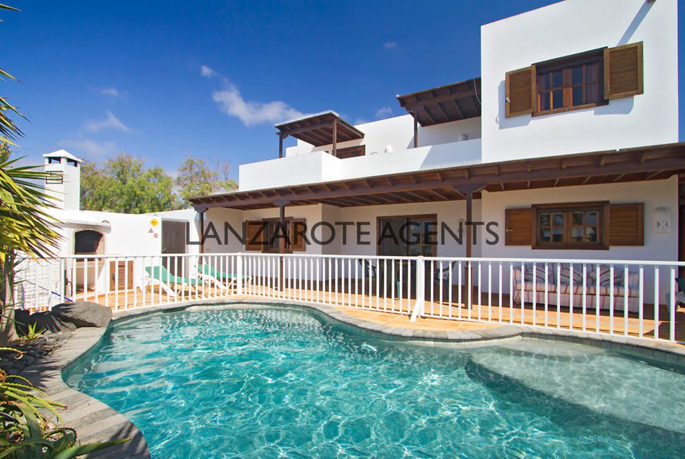Fantastic Independent 4 Bedroom Villa in Yaiza with Private Pool and Fantastic Open Views and Self Contained Apartment/Office