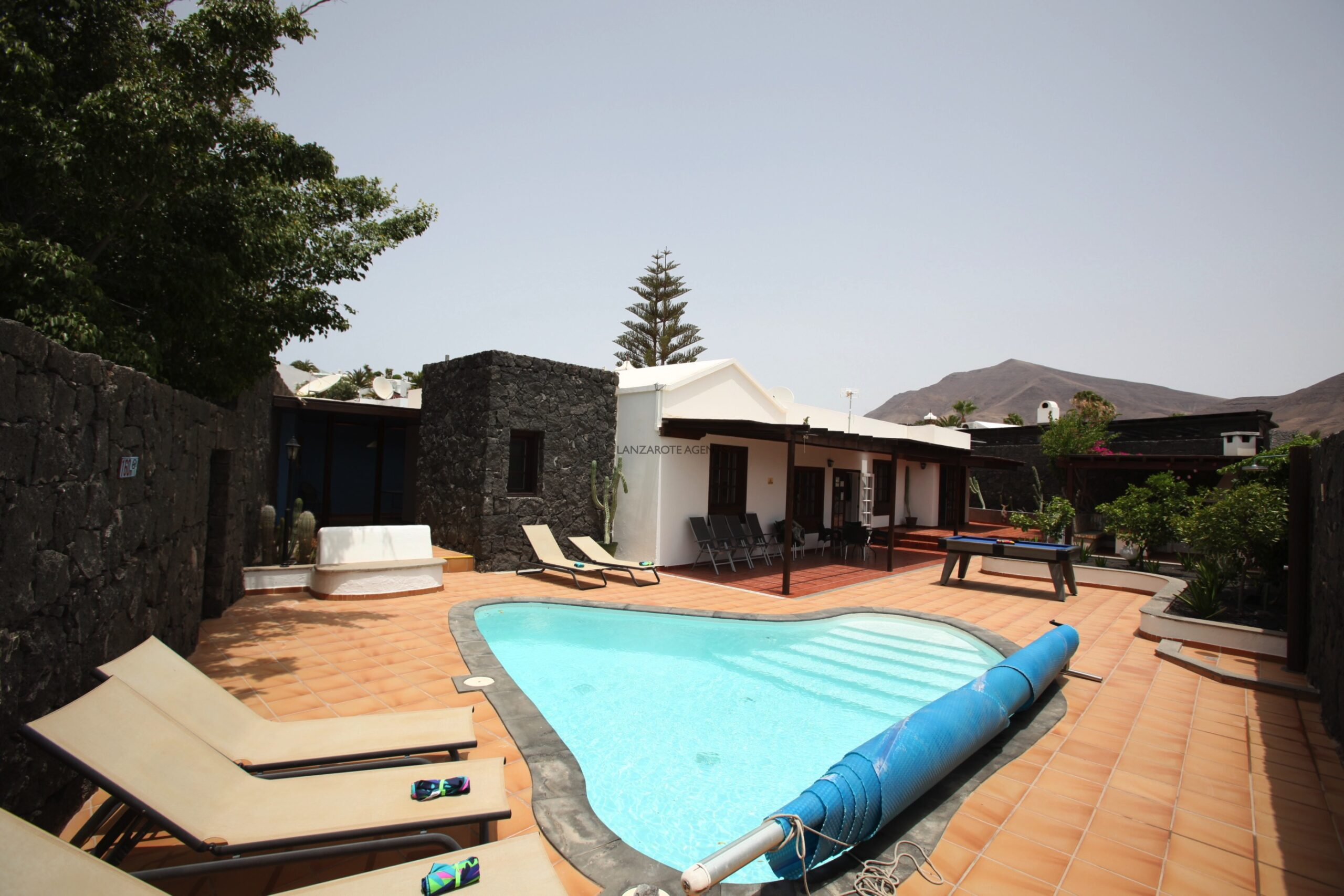 Wonderful Detached 4 bedroom Villa in Las Coloradas, with Private Pool, Self Contained Apartment,  Vv Rental License and Future Bookings.