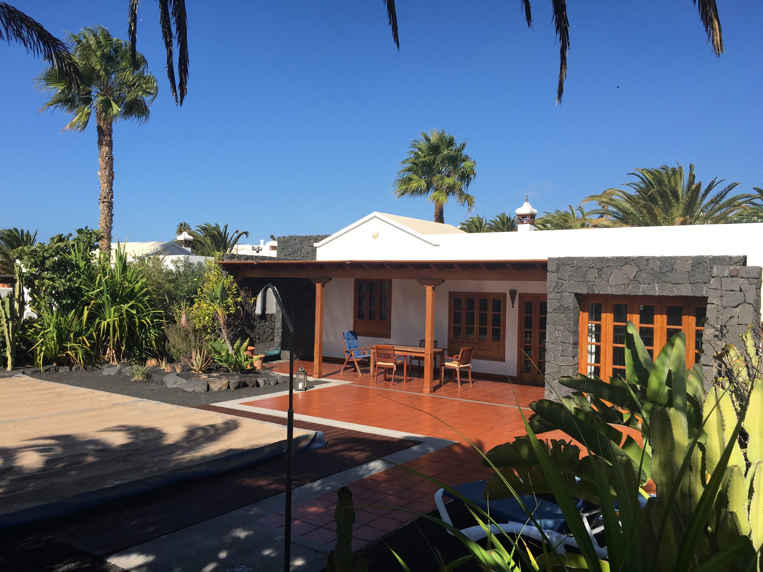 Detached 2 Bedroom Villa in Las Coloradas with Private Pool, Stunning Mountain Views and Great Potential