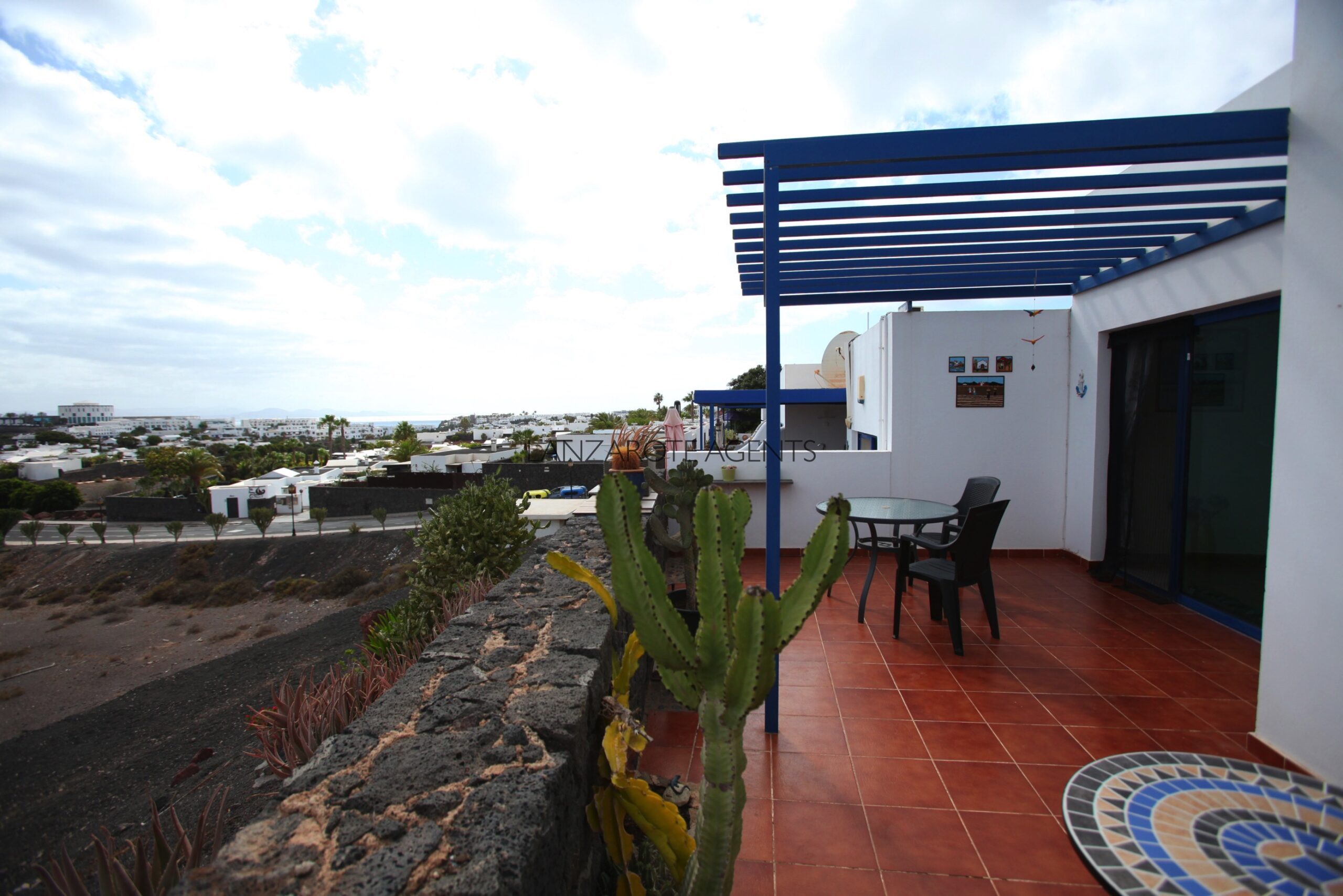 Fabulous 2 Bedroom Bungalow in Playa Blanca with Stunning Sea and Mountain Views at only 15 min Walk To Papagayo Beach and all Conveniences